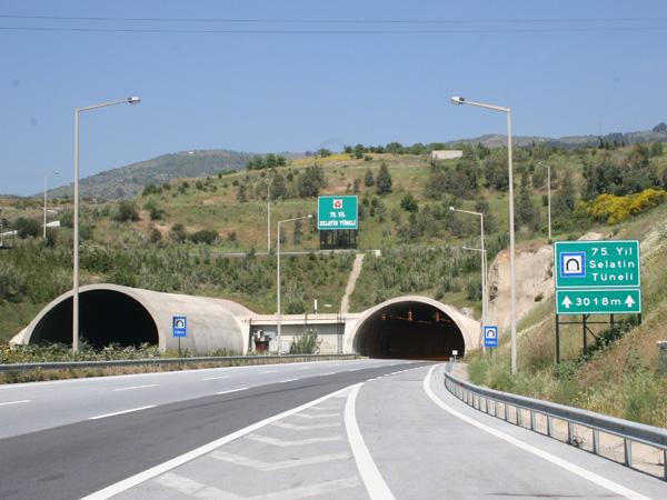 Selatin Tunnel